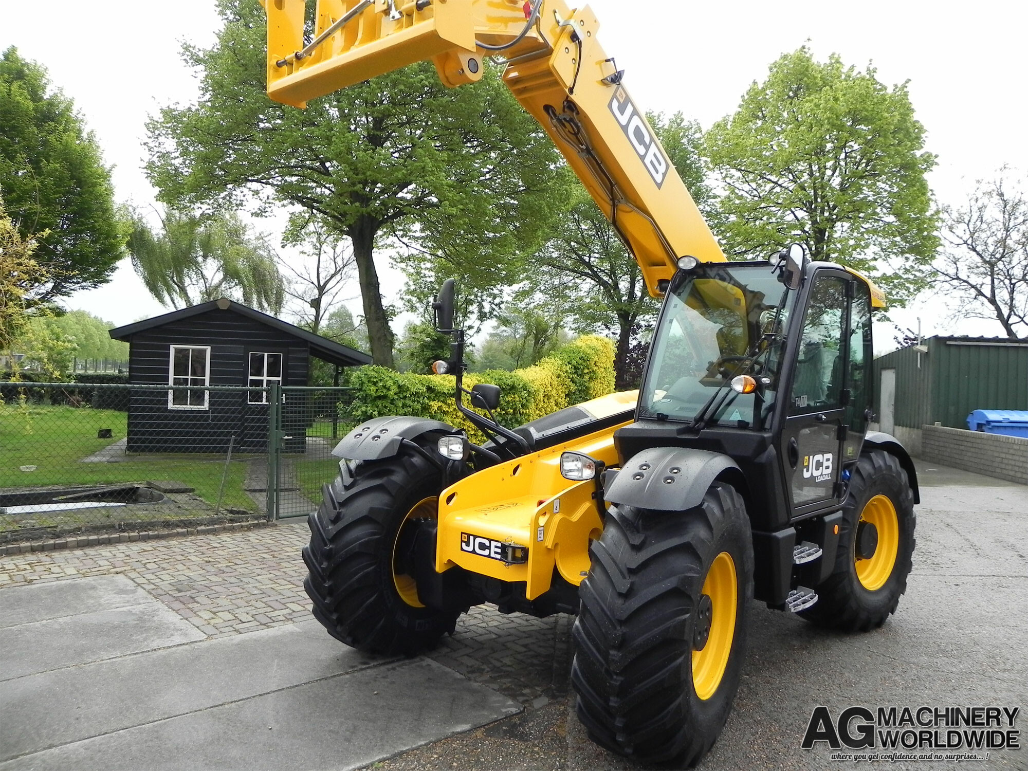AGMachinery Worldwide stock list of new, used, demo and