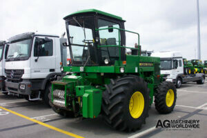 low hours john deere 5830 4wd forage harvester sold with kemper 3000 rotary silage head