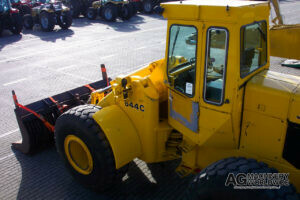 john deere 644c articulated wheel loader with attachments ready for shipping to canada