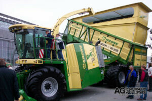 frontside of krone big x self propelled forage harvester with big x cargo silage bunker