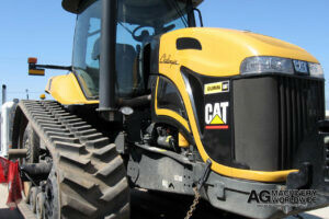 used caterpillar challenger tracked tractor ready for trucking to sea port in california