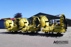 JOHN DEERE KEMPER 8-ROW ROTARY BIG DRUM FORAGE HEADS FOR SALE